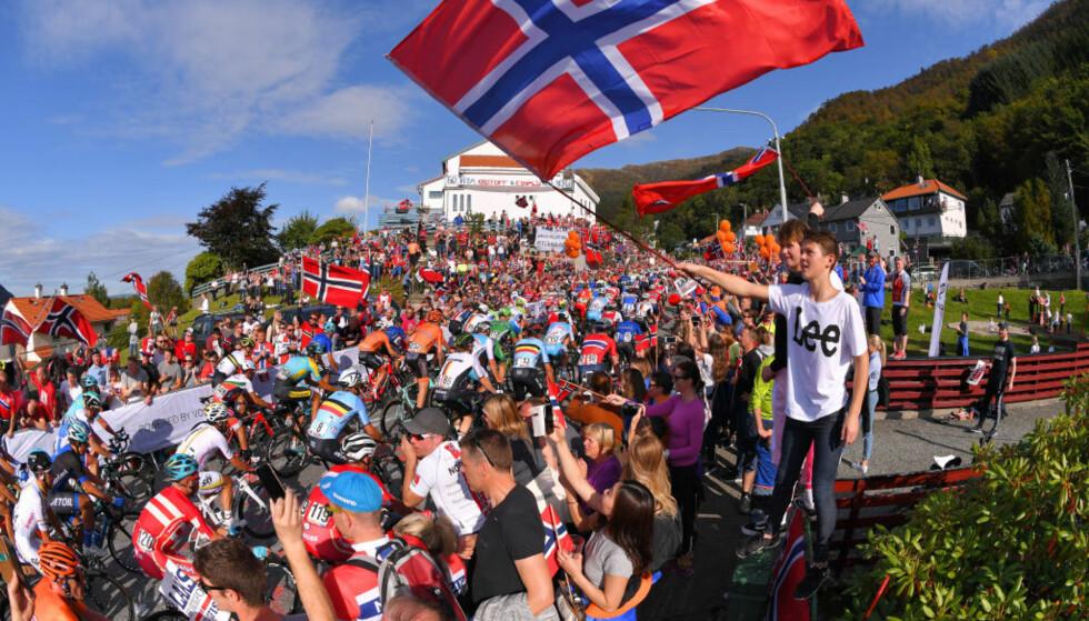 FOLKEFEST: VM i Bergen ble en eneste stor fest, men etterspillet har vært svært dystert. FOTO: Tim de Waele/Corbis via Getty Images