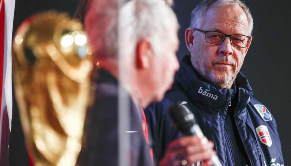 OPP: Lars Lagerbäck (t.h) og Norge klatrer en plassering på den ferske FIFA-rankingen. Foto: Terje Pedersen / NTB scanpix