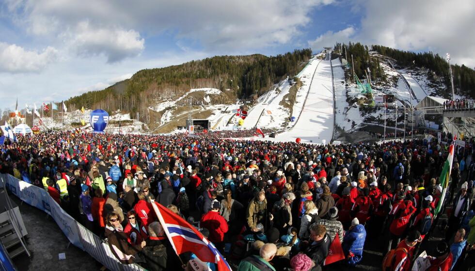 FÅR VM: Vikersund arrangerer VM i skiflyvning i 2022. Her fra forrige gang Vikersund arrangerte VM i 2012. Foto: Lise Åserud / Scanpix