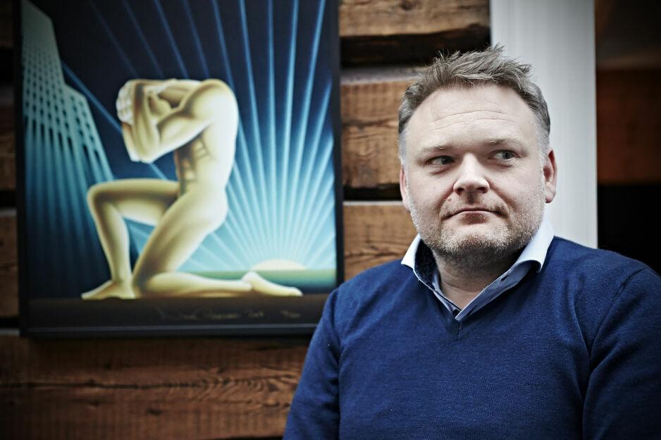 Da Trond Birkedal ble tatt for å smugfilme unge menn i dusjen, ble det redningen hans