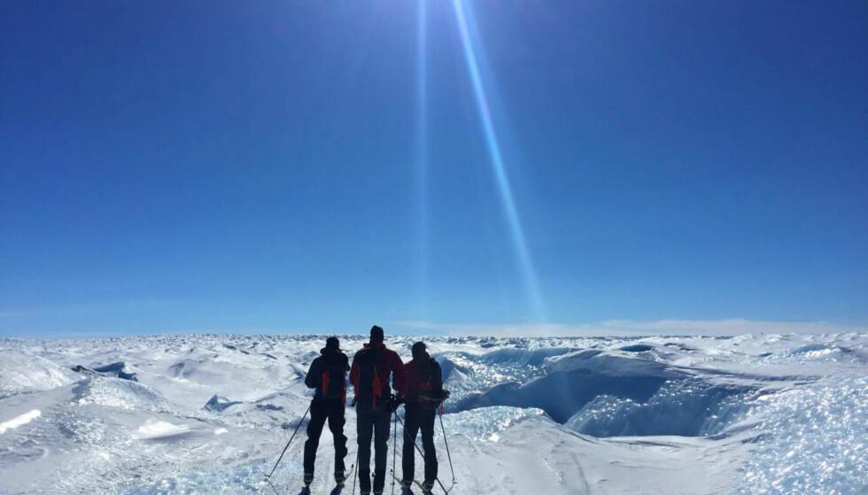 I GANG: Brødrene Aukland skal prøve å sette verdensrekord over Grønlandsisen på ski. Foto: Eirik Bruland / NTB scanpix