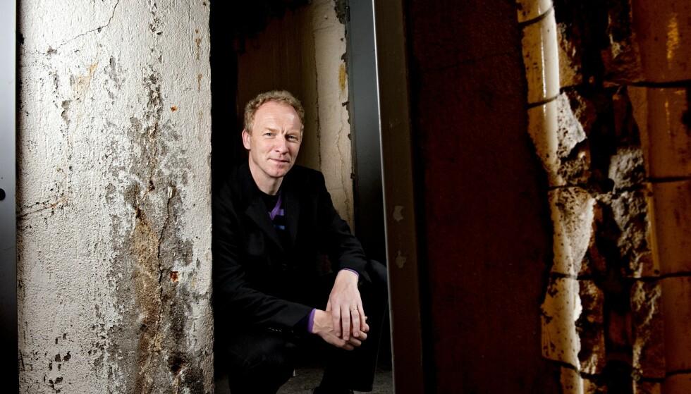 PÅ TIDE: Jón Kalman Stefánssons roman «Sommerlys – og så kommer natten» ble utgitt i Island i 2005. Først nå er den oversatt til norsk. Foto: NTB Scanpix / SAMFOTO / Mimsy Møller