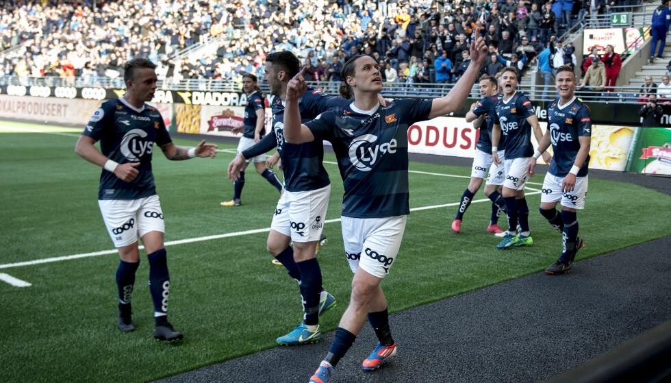 MÅLMASKIN: Tommy Høiland scoret hattrick mot Sandnes Ulf foran et nesten fullsatt Viking stadion. Foto: NTB scanpix / Carina Johansen
