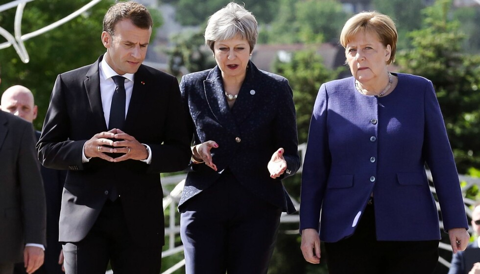 NY AVTALE? Tyskland, Frankrike, Storbritannia, Russland og Kina møtes neste uke i Wien for å diskutere Iran-avtalen. Her er Frankrikes president Emmanuel Macron, Storbritannias statsminister Theresa May og Tysklands forbundskansler Angela Merkel. Foto: NTB scanpix