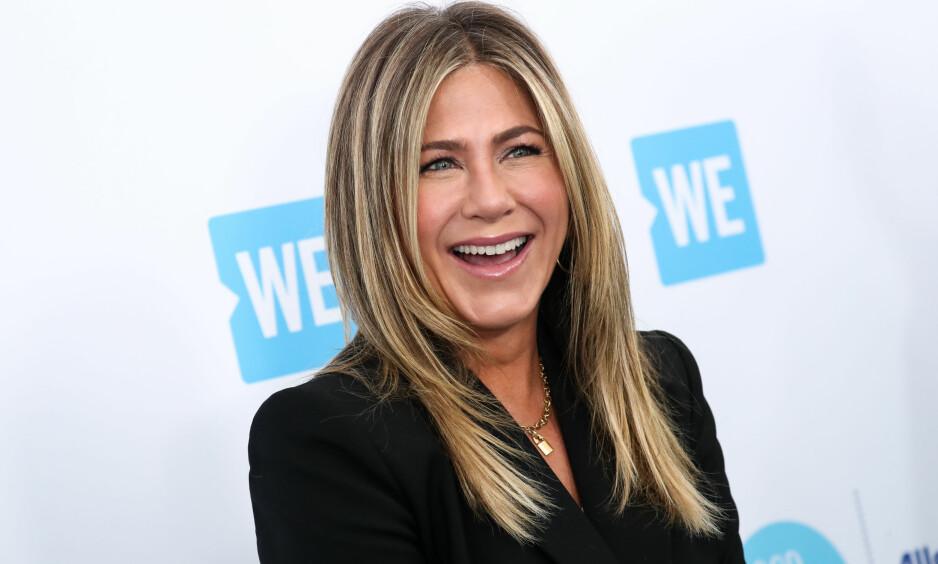 FORNØYD: Jennifer Aniston ble kjent da hun spilte Rachel Green i «Friends». Nå skal hun spille USAs første kvinnelige president i Netflix' «First Ladies». Foto: John Salangsang/NTB Scanpix