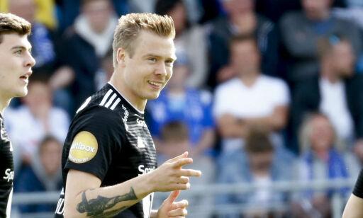 image: Bendtner slaktet da Søderlund glitret