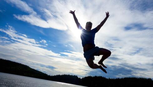 SLÅR UT HÅRET: Undersøkelsen viser at dem som ferierer i utlandet regner med å bruke en betydelig høyere sum enn dem som skal ha Norges-ferie. Foto: NTB Scanpix