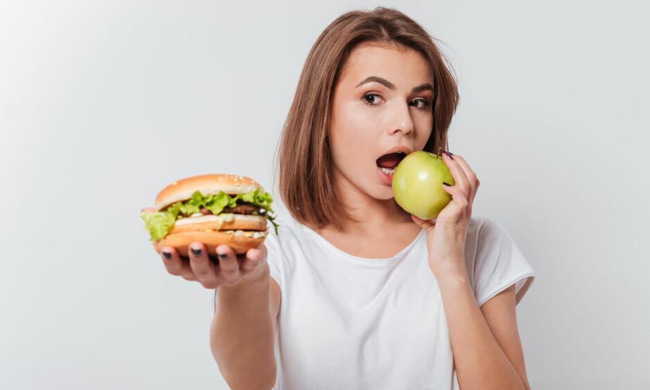 NED I VEKT MED TRENDMAT: Det bugner av dietter som kommer og går, og som lover at du går ned flere kilo i løpet av kort tid. Hva mener egentlig ekspertene om trenddiettene? Foto: Dean Drobot / Shutterstock / NTB scanpix