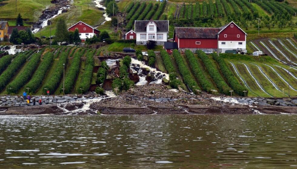 Etter flommen: Bruland i Utvik etter uværet og flommen som raste i 2017. Foto: Hans Ivar Moss Kolseth / NTB scanpix