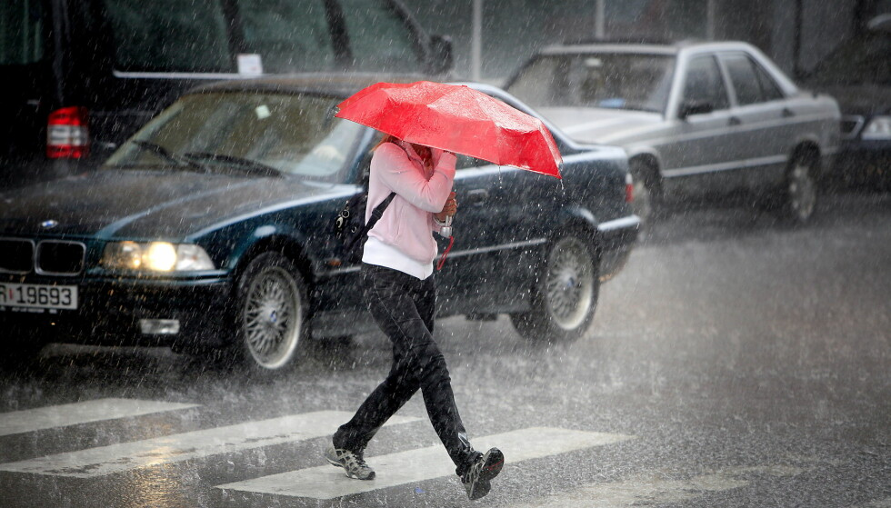 <strong>BLIR DET VÅTT I SOMMER?:</strong> Det svaret får du ikke fra Meteorologisk institutt. I det minste ikke nå. Foto: Bjørn Langsem / DAGBLADET.