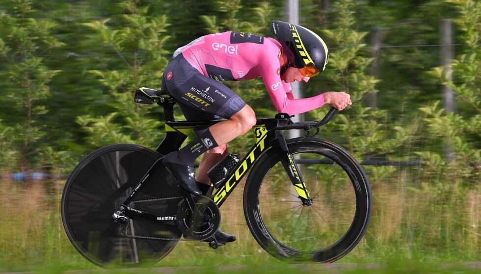 IMPONERTE: Simon Yates tapte mindre enn ventet på den siste tempoetappen i Giro d'Italial. Foto: Tim de Waele/Getty Images