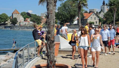SYDENSTEMNING: Sommeren er herlig i Gotlands eneste by. Foto: Gotland.net