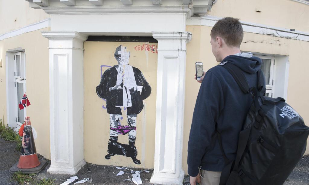 GIKK PÅ VEGGEN: Kulturminister Trine Skei Grande, (V) gikk på veggen i Fosswinkelsgate i Bergen for noen dager siden. Foto: Marit Hommedal / NTB scanpix)