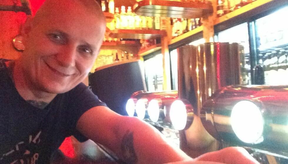 OMSTRIDT: Pubeier Tor Sverre Kristiansen fikk det til å koke i kommentarfeltet da han meldte på Facebook at han ville innføre språkkrav for gjestene ved Saga Pub i Rana. Foto: Privat