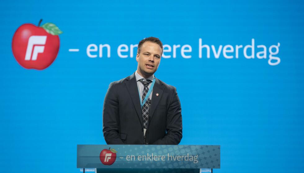 MOT KJØNNSKVOTERING: Jon Helgheim (Frp), her på talerstolen under Fremskrittspartiets landsmøte i april, tar til orde for å slutt med all kjønnskvotering. Foto: Vidar Ruud / NTB scanpix