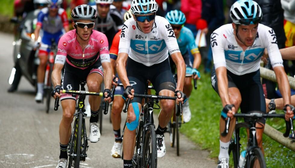 TAPTE HALVPARTEN: Chris Froome gikk kontra og Simon Yates kunne ikke svare på den 18.-etappen i Giro d'Italia. FOTO: / AFP PHOTO / POOL / Tim De WAELE