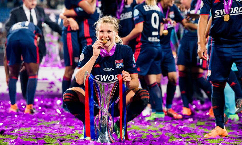 ENESTÅENDE: Ada Hegerberg har scoret femten mål i Champions League denne sesongen. Det har ingen gjort før henne. Foto: Vegard Wivestad Grøtt / Bildbyrån
