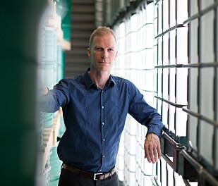 DENOFA-DIREKTØR: Bjørn Rask Thomsen tar imot 440 000 tonn soya årlig. 60 prosent er fra Brasil, resten fra Europa og Canada. Foto: Denofa