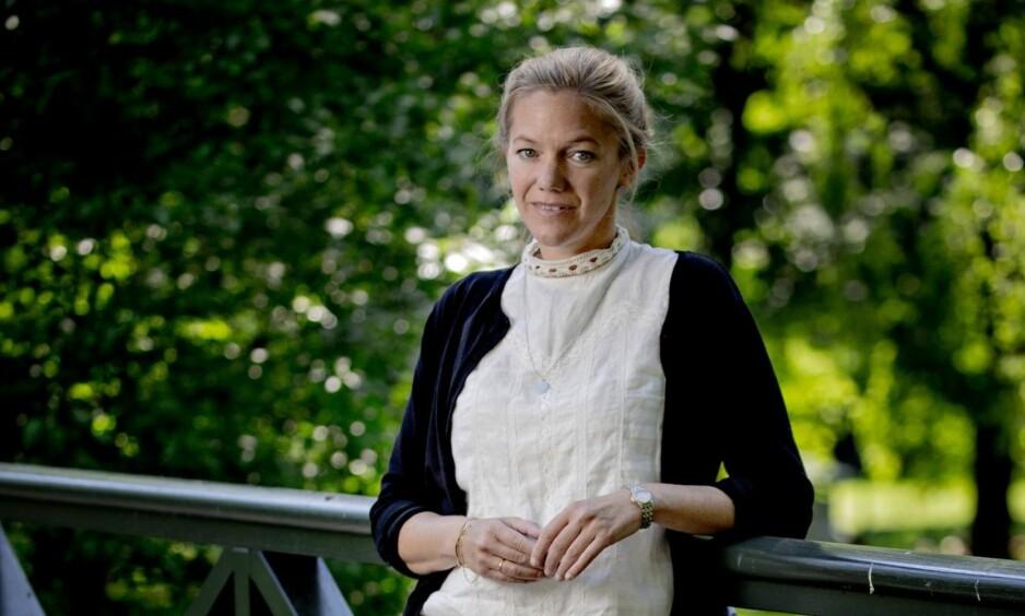 GRØNT OG BLÅTT: Begge romanene til Maja Lunde handler om framtida til moder jord. Selv vil hun ikke karakterisere dem som politiske. – «Bienes historie» har nok truffet en nerve på grunn av temaet, sier hun. Foto: Bjørn Langsem