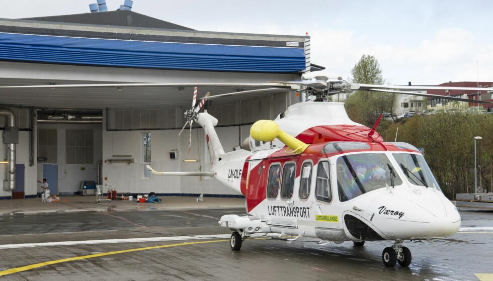 SNART NY OPERATØR: I disse dager ryddes og males hangaren til ambulansehelikoptrene i Tromsø. Snart skal Norsk Luftambulanse ta over for Lufttransport. Foto: Ingun Mahlum / Dagbladet