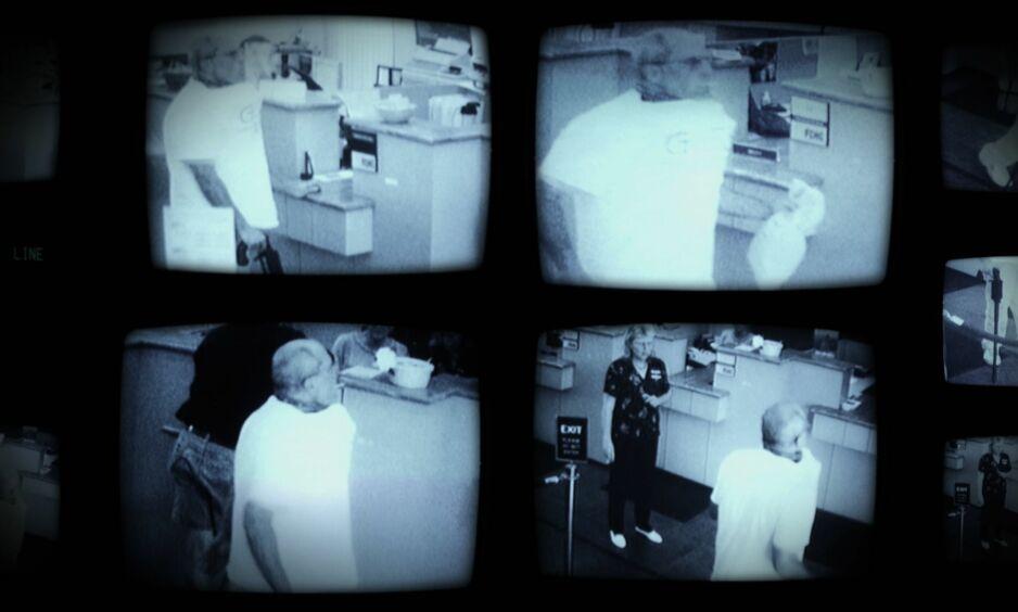PIZZABOMBA: I 2003 gikk en mann inn i en bank med en bombe festet til halsen. Ranet regnes som et av USAs merkeligste. Foto: AFP / Netflix / NTB Scanpix