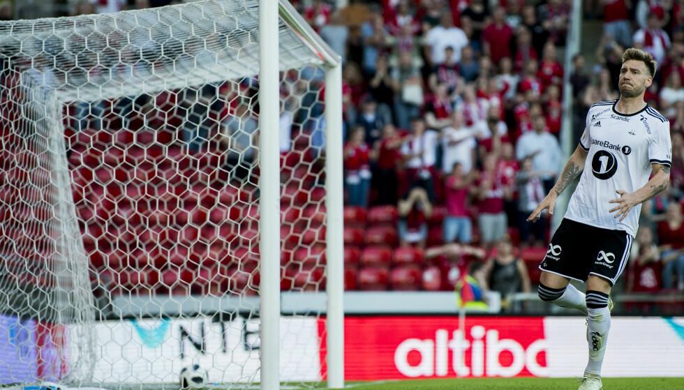 ANNULLERT: Nicklas Bendtner satte 2-2-scoringen som ville berget uavgjort for Rosenborg mot Brann. I stedet tok Brann tre poeng, og økte luka i toppen til seks poeng. Foto: Ole Martin Wold / NTB scanpix