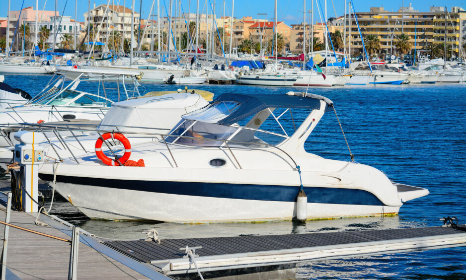 SIKKER FORTØYNING: Båtlivet er herlig, men det er ikke alle som føler seg like komfortable når båten skal fortøyes. Her er ekspertrådene fra Båtmagasinet. Foto: NTB Scanpix