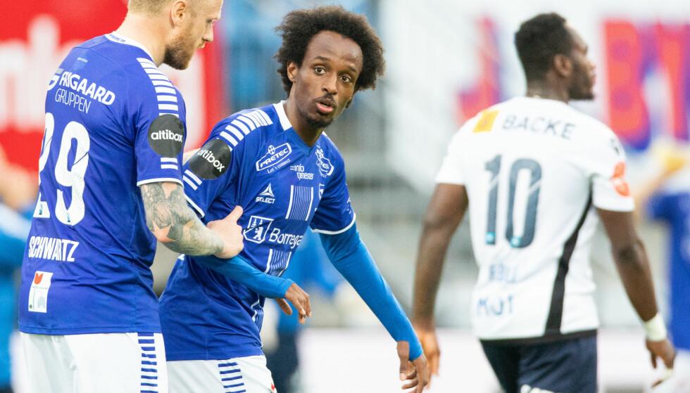 SCORET IGJEN: Amin Askar headet inn et nytt mål for Sarpsborg 08, som i tillegg leverte tre dødballscoringer hjemme mot Stabæk. Foto: Audun Braastad / NTB scanpix