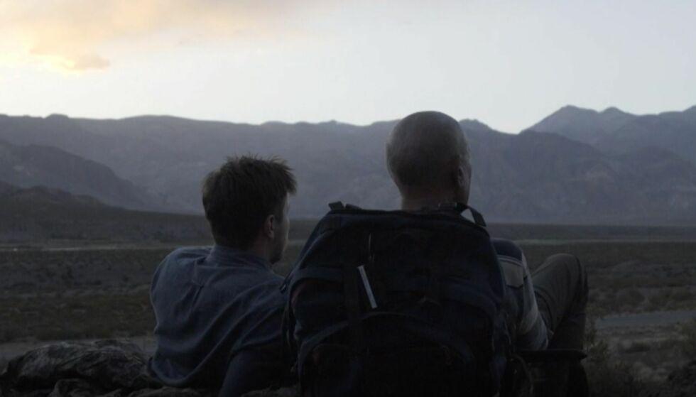 LIVSLANG DRØM: Samuel Massie og bestefar Arne Ulvolden la ut på et siste, stort eventyr sammen. De kom hjem mange erfaringer rikere. Foto: Skjermdump