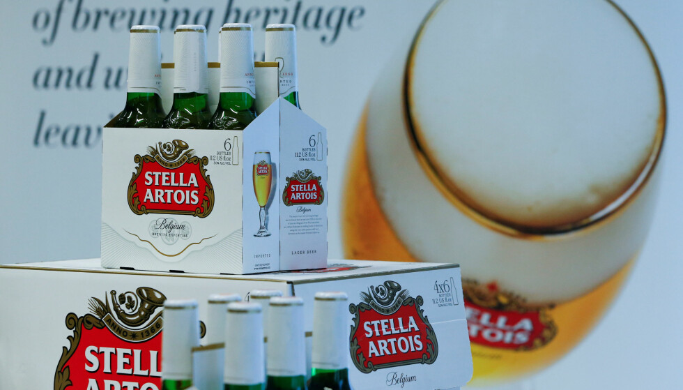 MULIGE GLASSPARTIKLER: Ringnes trekker tilbake en produksjonsserie av det ølmerket Stella Artois . Illustrasjonsfoto: Yves Herman, Reuters/NTB Scanpix.