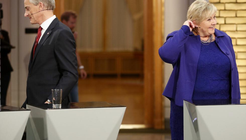Ikke se på meg: Barnefattigdommen har økt under både Arbeiderpartiet og Høyre. Hverken Jonas Gahr Støre (Ap) og statsminister Erna Solberg (H) bør finne sammen om løsningen alle er enige om at fungerer. Problemet: Den koster skjorta. Foto: Lise Åserud / NTB scanpix