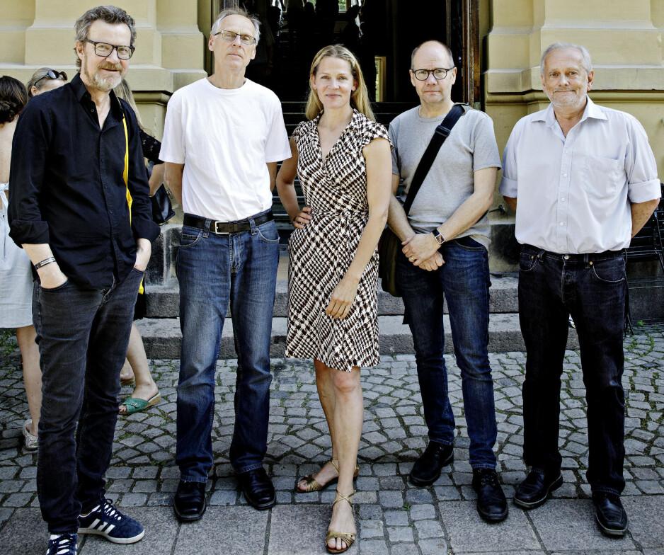 MOTTOK HYLLEST: Fra høyre Geir Hestmark, Peter Englund, Åsne Seierstad og Espen Søbye. Helt til venstre Steffen Kverneland som ble en uoffisiell nummer ellleve.   FOTO: Nina Hansen
