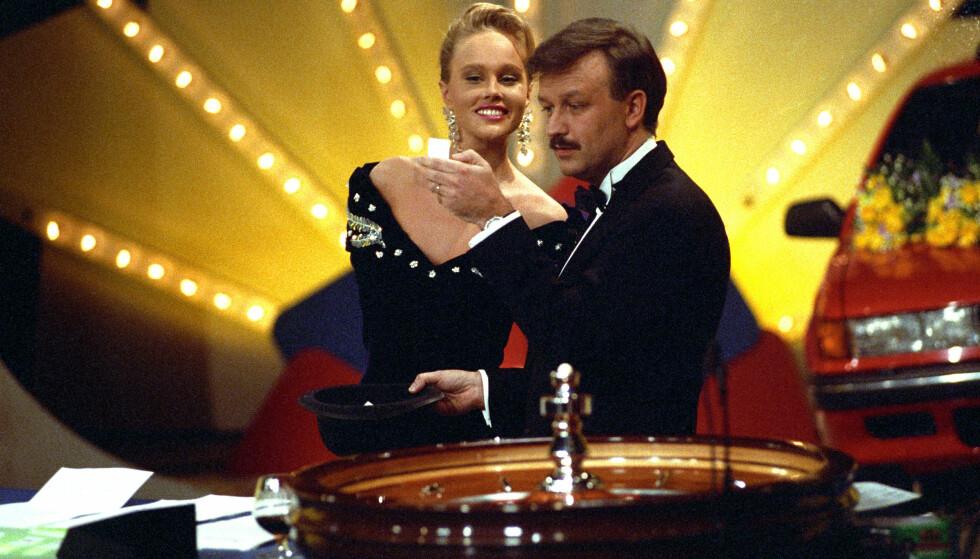 TILBAKE: Birgitte Sayffarth og Hallvard Flatland i Casino, som var en stor suksess på TVNorge på 80-tallet. FOTO: NTB Scanpix