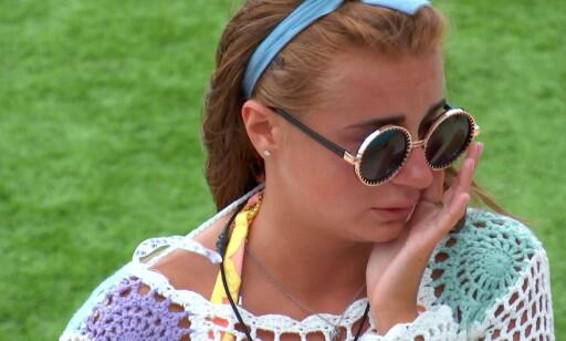 FØLELSER: Deltaker Dani Dyer feller tårer i kampen for kjærligheten. Foto: NTB Scanpix