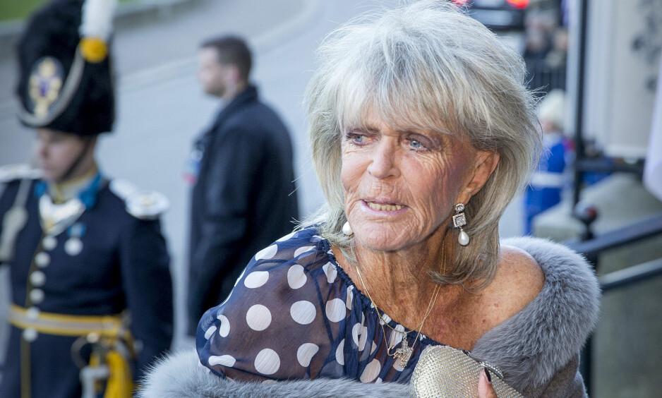 OVERRASKET: Kong Carl Gustafs storesøster, prinsesse Birgitta, pleier vanligvis å droppe familietilstelninger som barnedåp til fordel for å nyte livet hjemme på Mallorca. Under prinsesse Adriennes barnedåp fredag, dukket likevel 81-åringen opp. Foto: NTB Scanpix