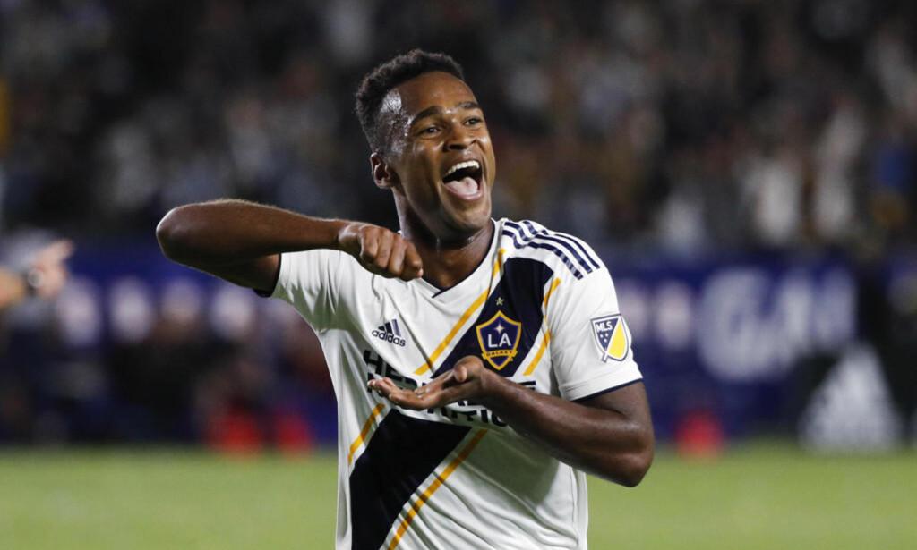 FEIRER: Ola Kamara kunne feire da han nettet for LA Galaxy hjemme mot Real Salt Lake. Det var Kamaras sjette mål på 13 kamper denne sesongen. Foto: NTB Scanpix