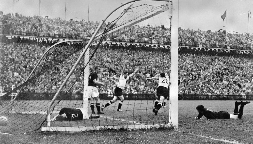 TYSK JUBEL: Tyskland jubler etter 3-2-seieren over Ungarn. Foto: AP/NTB Scanpix