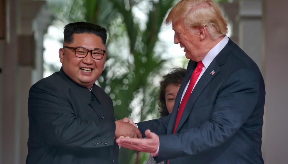 KAN BARE FORTSETTE Å LE: Donald Trump og Kim Jong-un under toppmøtet i Singapore i juni. Foto: REUTERS / NTB Scanpix