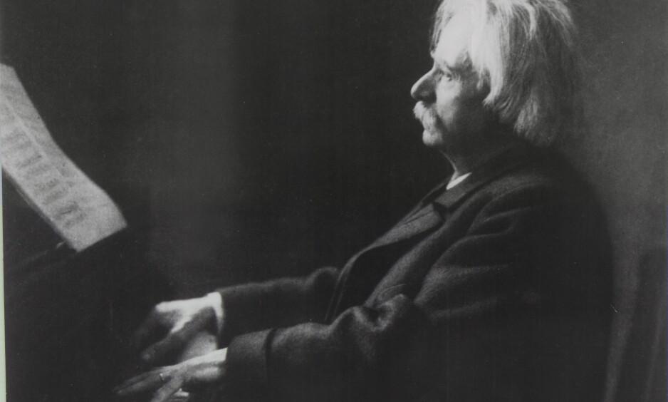 MYTEOMSPUNNET: Var Edvard Grieg en kunstner som strevde? Kanskje fremføringen av alle hans verker kan gi ny innsikt rundt komponisten. Foto: Foto E. Bieber/ Griegsamlingen, Bergen Offentlige Bibliotek