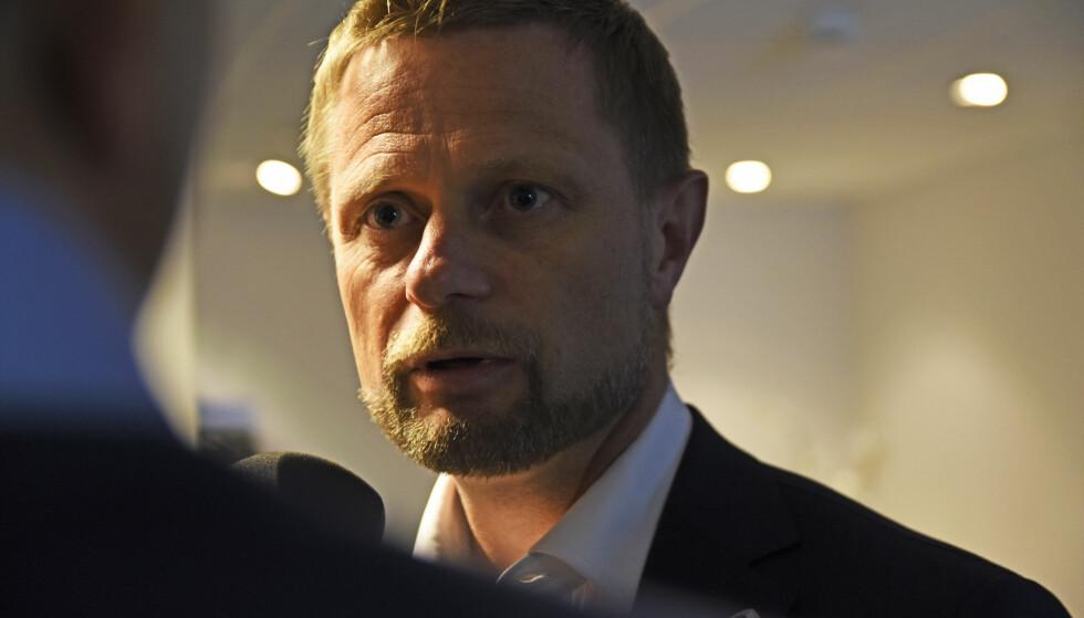 TRÅR VANNET: Helse- og omsorgsminister Bent Høie. Foto: Rune Stoltz Bertinussen / NTB scanpix