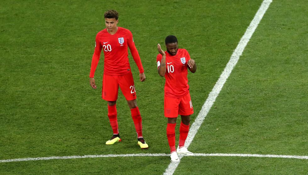 STANG UT: Det har vært mye stang ut for Raheem Sterling på landslaget. Her fra sommerens VM, sammen med Tottenham-spiller Dele Alli. Foto: NTB/Scanpix