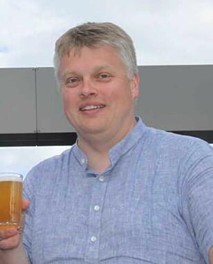 IKKE BEGEISTRET: Ølkjenner Gustav Foseid foretrekker et kraftigere og fyldigere øl, framfor Lite-varianten. Foto: C. L. Berg