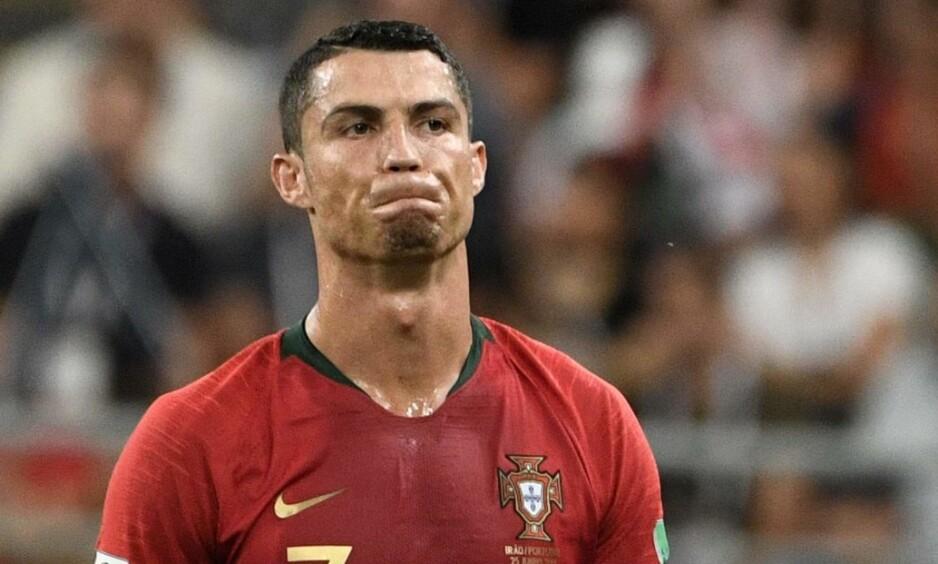 MISSET: Cristiano Ronaldo bommet fra ellevemeteren. Foto: AFP PHOTO / Filippo MONTEFORTE / NTB Scanpix