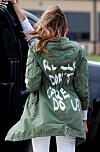 Klesmerker med jakke protest mot Melania