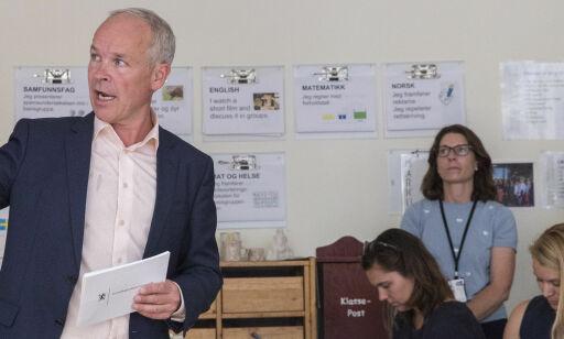 Høyre-politiker roper varsku om mobilbruk i skolen