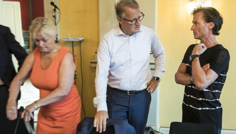 FÅR DET TIL: Her er to menn med høy kvinneandel, DnB-sjef Rune Bjerke og hotellinvestor Petter Stordalen som i går deltok på regjeringens topplederkonferanse. Til venstre en av landets få kvinnelige styreledere, tidligere Høyre-statsråd Thorild Widvey. Foto: Vidar Ruud / NTB scanpix