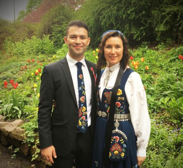 FORNØYDE: Mani Hussaini og kona Veronica Grimsrud ble i slutten av juni foreldre for første gang. Foto: Privat