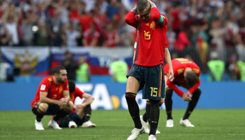 LEI SEG: Sergio Ramos med hendene til hodet etter at Spania røk ut av VM. Foto: REUTERS/Albert Gea/NTB Scanpix