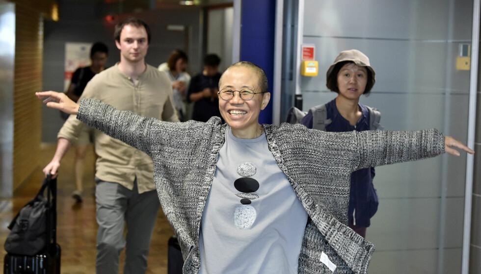 I FINLAND: Her er Liu Xia avbildet på Helsinki International Airport, hvor hun landet tirsdag. Nå håper Nobelkomiteen den kinesiske kunstneren vil komme til Norge for å motta Fredsprisen på vegne av sin avdøde ektemann. Foto: Lehtikuva /Jussi Nukari