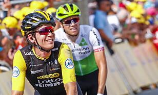 Amund Grøndahl Jansen (foran) og Edvald Boasson Hagen etter målgang på fjerde etappe i Tour de France i Sarzeau tirsdag. Foto: Heiko Junge / NTB scanpix